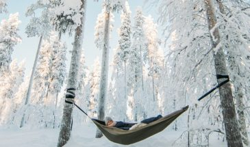 Cocooning in the HaliPuu forest Arctic hammock relaxation in kittila Lapland, Enjoying the snowy forest in the hammock