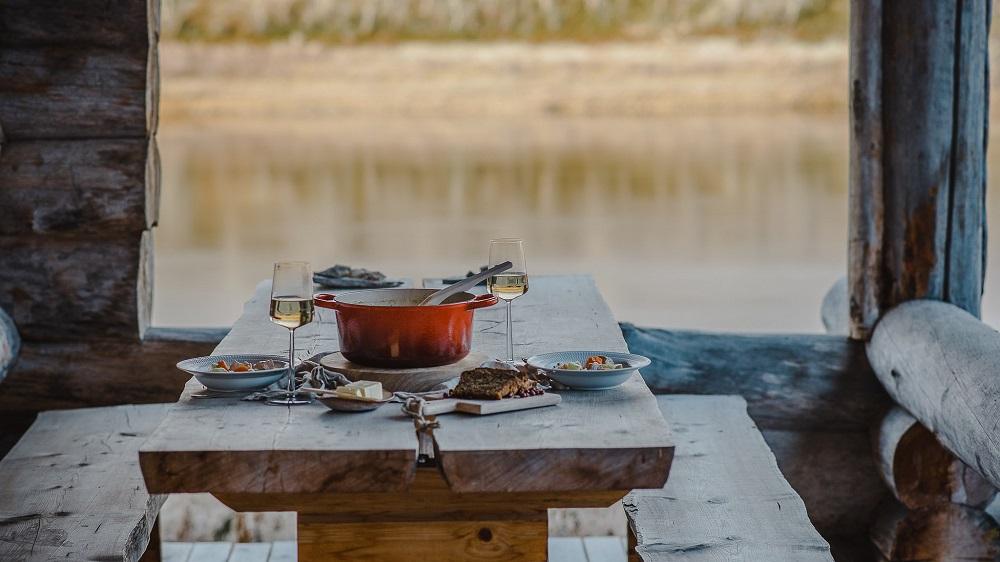Paishill utsjoki Lapland luxury lodge dining