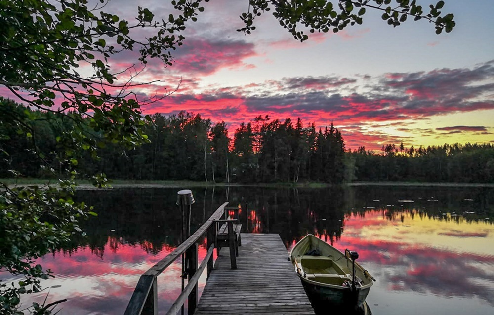 Sunset colors at Midsummer on a lake