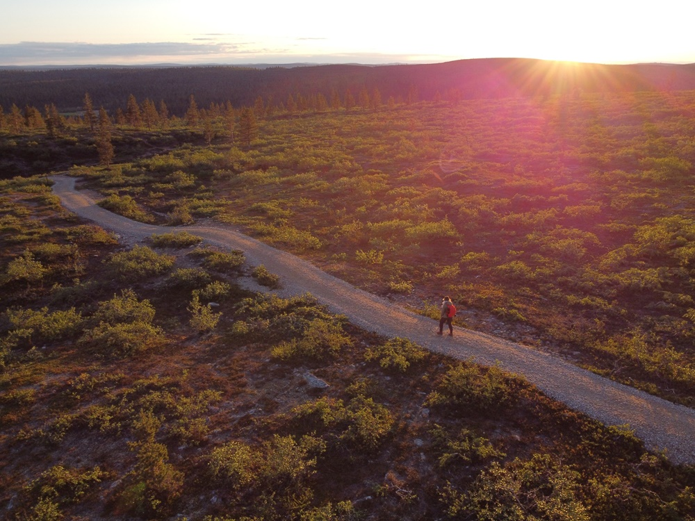 Hiking during midnight sun in Lapland