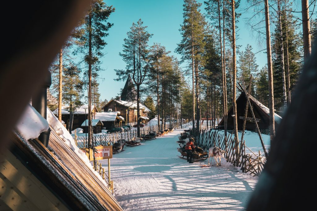 Lapland-Leanto-Reindeer-Winter-Tourism
