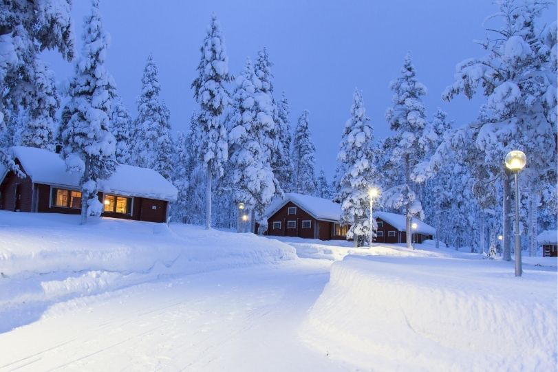 Lapland-Snow-Tourism-Winter-Seasonal